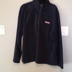 Vineyard vines pull over